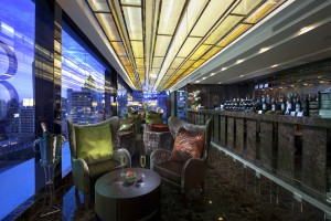 180° Lounge on the top floor of the Grand Swiss Hotel Bangkok in Sukhumvit Soi 11, near the Nana BTS station