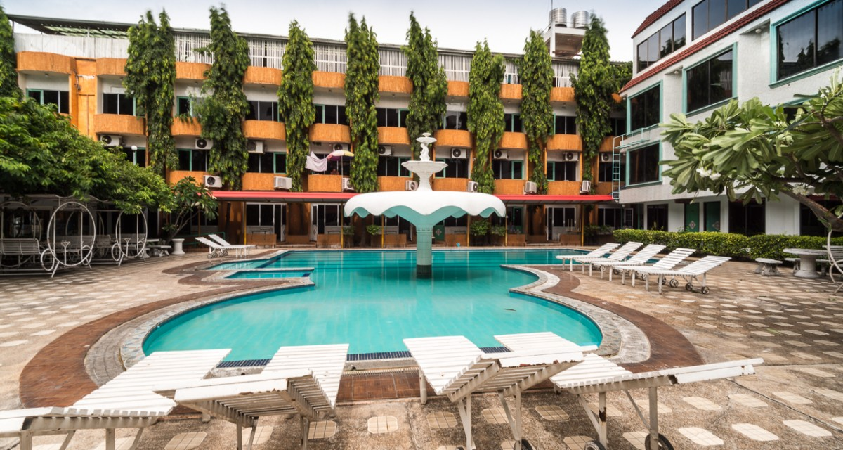 Seashore pattaya resort is budget hotel by compass hospitality for Western pool show 2015