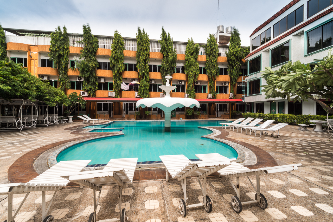 Seashore pattaya resort is budget hotel by compass hospitality for Swimming pool resort in gensan